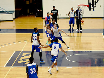 Photo of GBC Lightning men's basketball players
